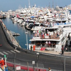07 view on track from the back of the boat grand prix de monaco