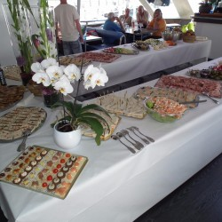 01 catering abord the boat saturday monaco grand prix