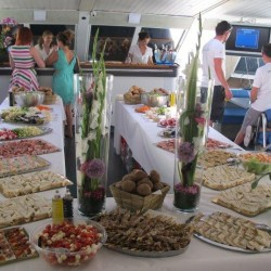 02 catering abord the boat saturday monaco grand prix