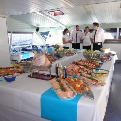 10 catering abord the boat sunday monaco grand prix