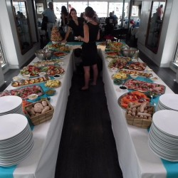 18 catering abord the boat sunday monaco grand prix